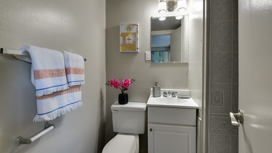 Spring Crossings Bathroom